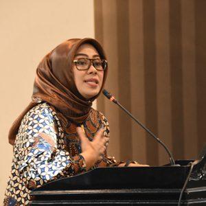 Bupati Karawang dr. Hj. Cellica Nurrachadiana